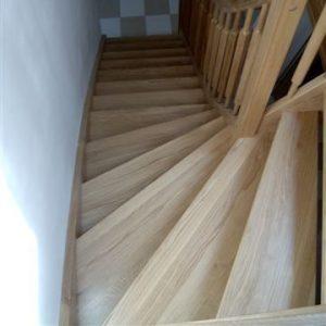 Dřevěné schodiště na míru od www.bpparket.cz