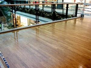 Masivní bambusová podlaha - povrchová úprava lak