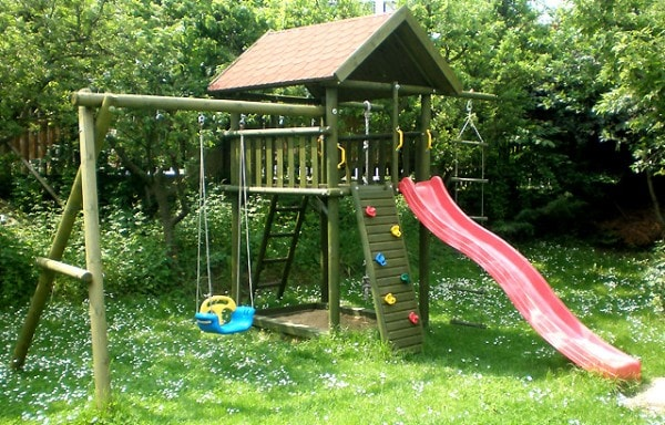 Dětské hřiště – skluzavka s prolézačkou