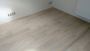 Dubová prkna - podlaha bílý olej